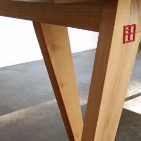 """Table modèle """"Chevalet""""."""